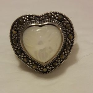 Mother of pearls heart shape Ring